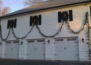 Garage Door Garland